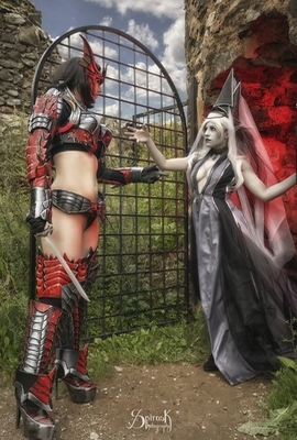 Lineage II Ailiroy's Dark Elf Gatekeeper & Atai Cosplay's Draconic Human Fighter, from Fotocon 2016