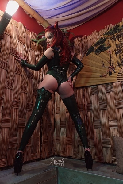 Latex Poison Ivy, with Domina Lola