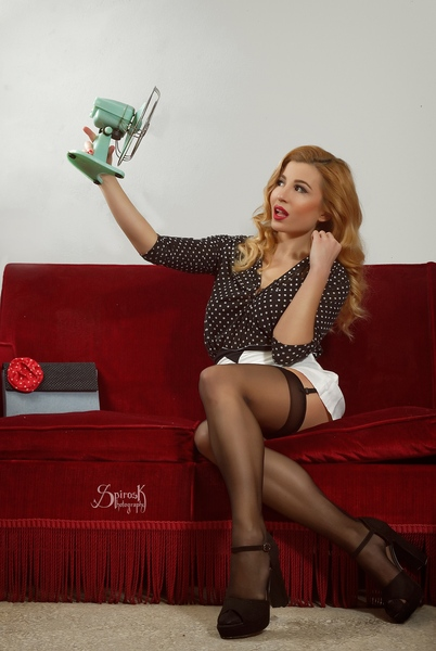 Housewife pinup with Ellie Rousou (A Hot Day)